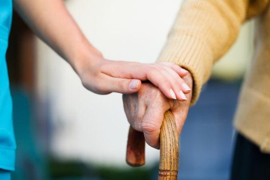pomoc seniorům malá